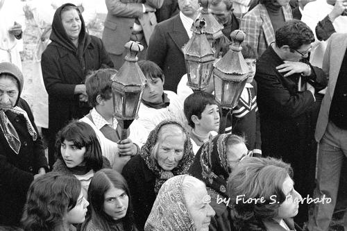 Gente ad una processione