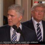 Trump fila come un treno, altri scivolano indietro